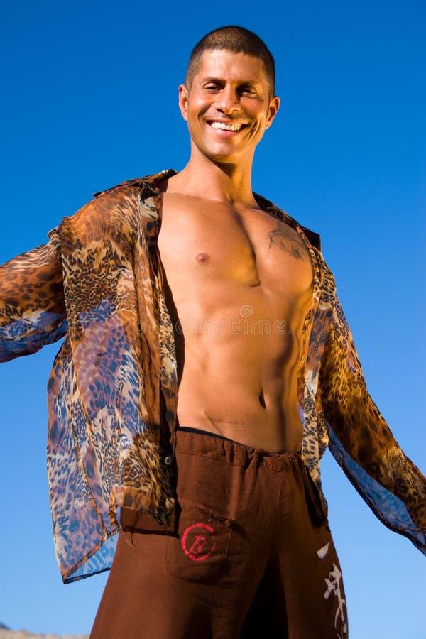 Homme de sourire sexy. photographie stock libre de droits