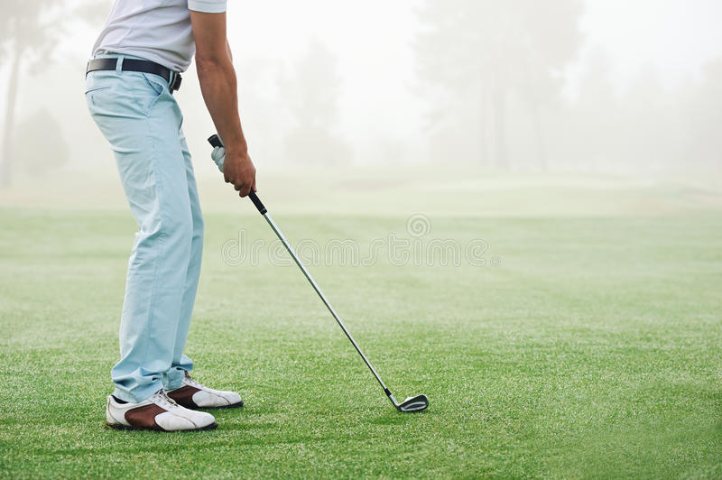 Homme de tir de golf photo libre de droits