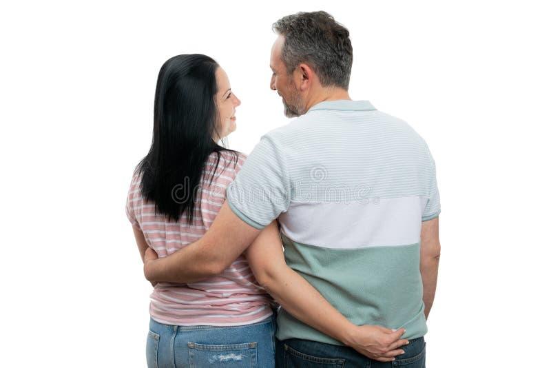 Homme et femme avec de nouveau à la caméra image libre de droits