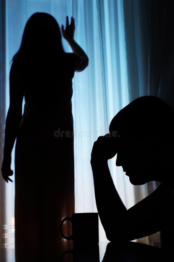 Homme et femme malheureux photos libres de droits