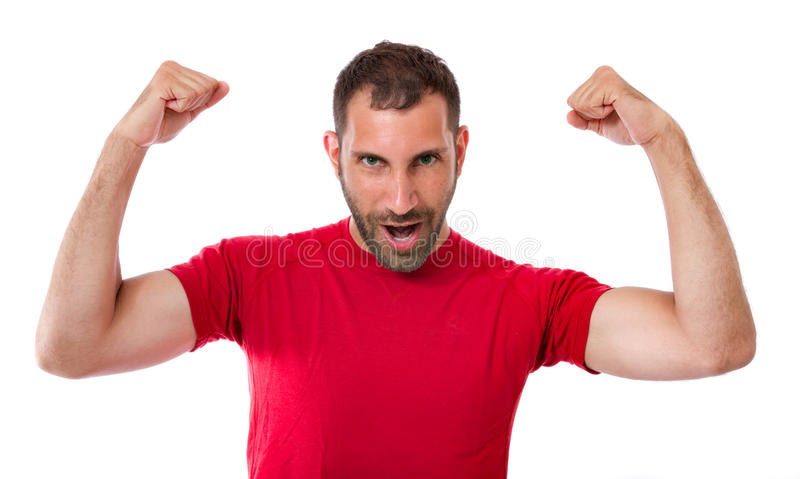 Homme faisant des gestes la victoire