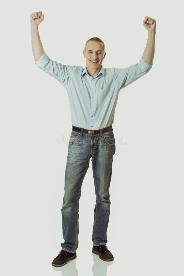 Homme gai avec des mains  image stock