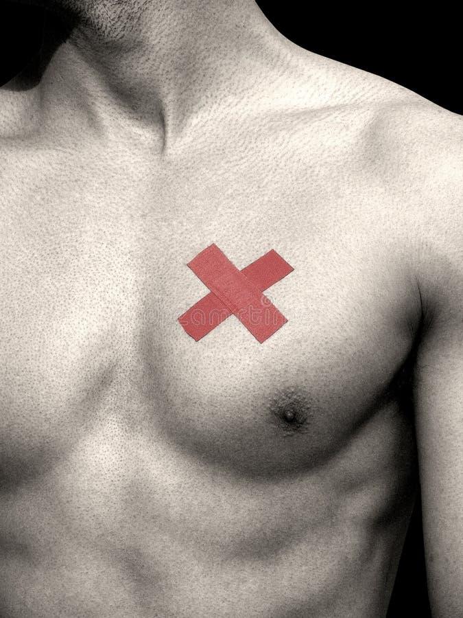 Homme guérissant un coeur cassé ! photographie stock
