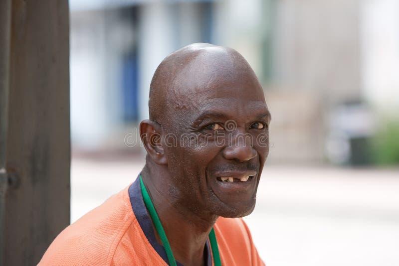 Homme heureux d'Afro-américain photographie stock libre de droits