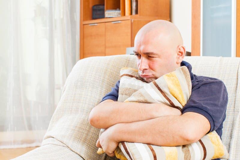 Download Homme malheureux adulte photo stock. Image du homme, émotion - 45365398