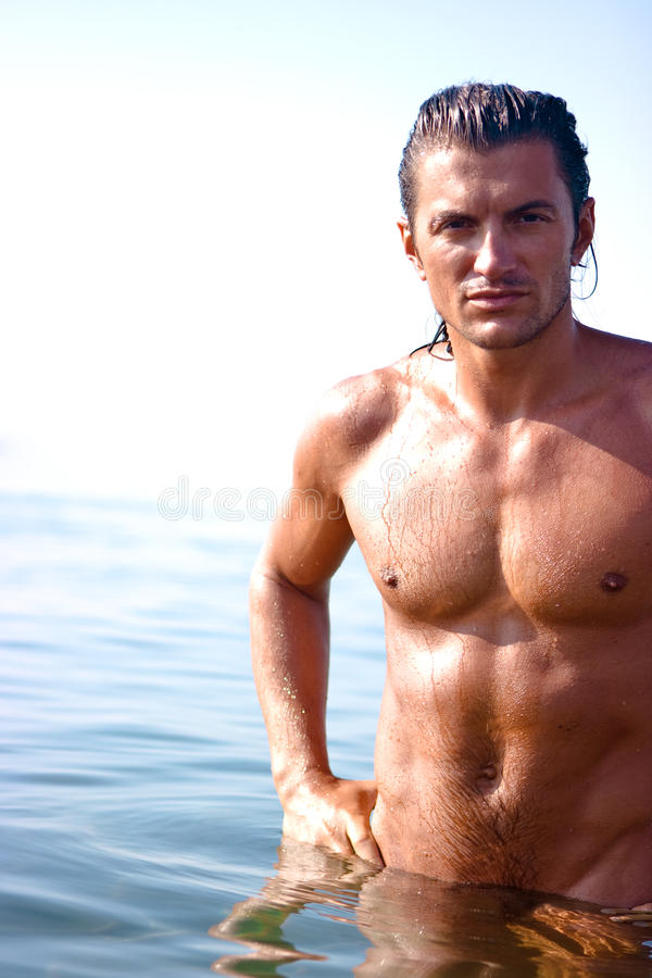Homme musculaire photo stock