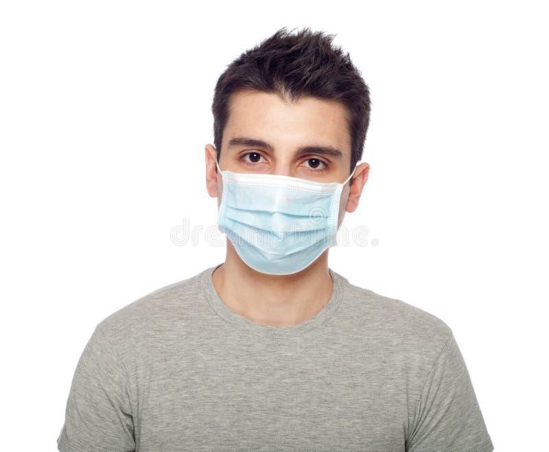 Homme occasionnel dans le masque protecteur photographie stock