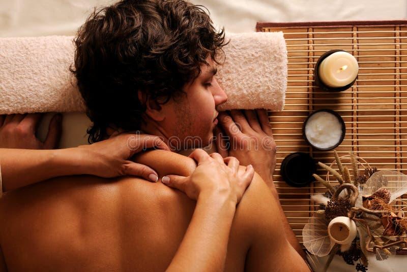 Homme - récréation, reste, relaxation et massage image libre de droits