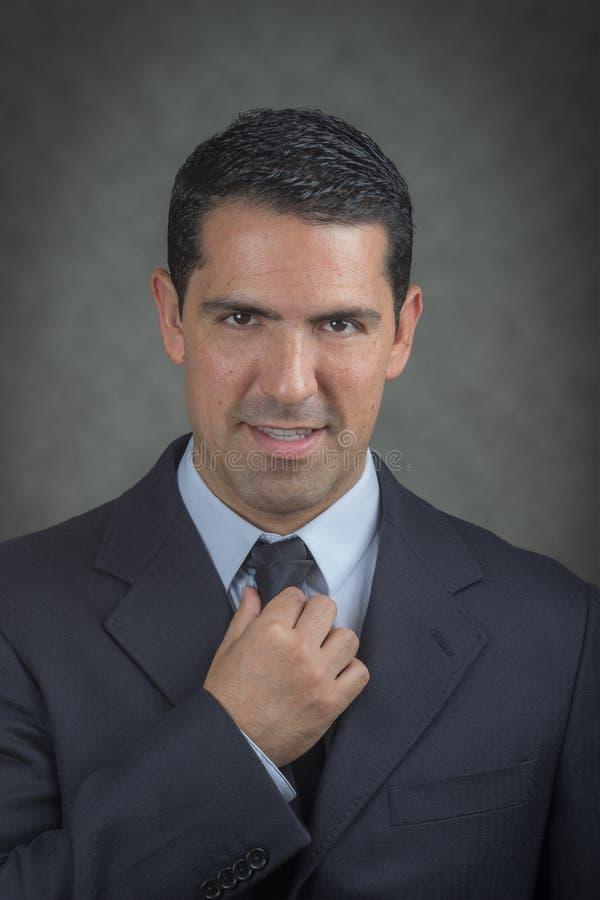 Homme réussi d'affaires de latino images stock
