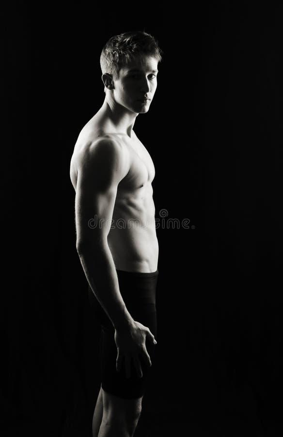 Homme sérieux de forme physique image stock