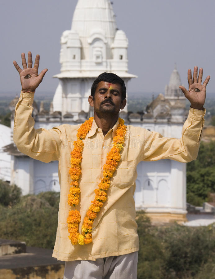 Homme saint - temples de Jian - Sonagiri - l'Inde images libres de droits