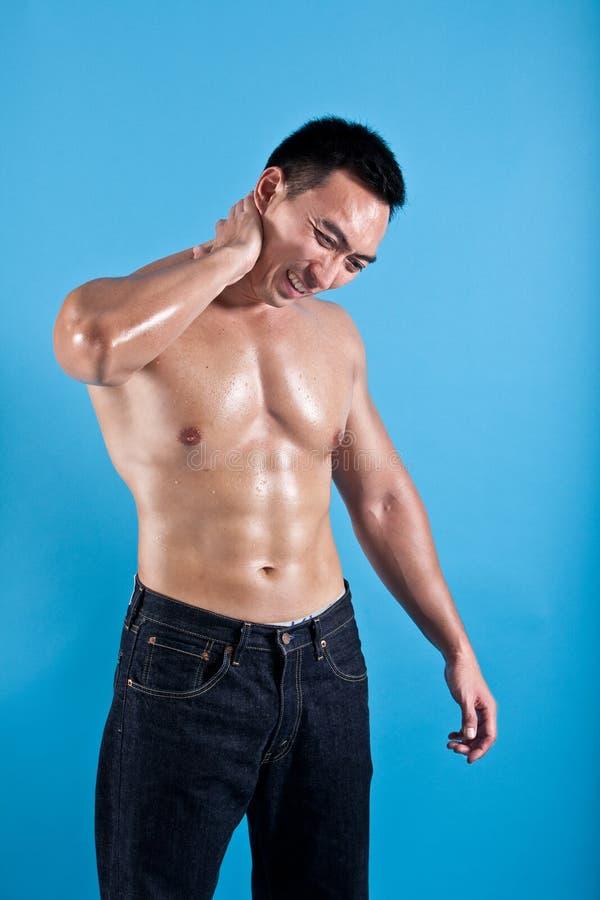 Homme souffrant avec le mal de cou photos libres de droits