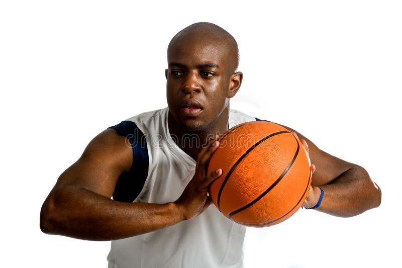 Homme sportif avec le basket-ball photos libres de droits