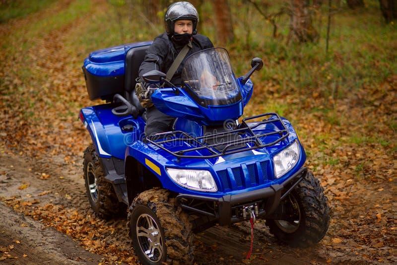 Homme sur ATV photo stock
