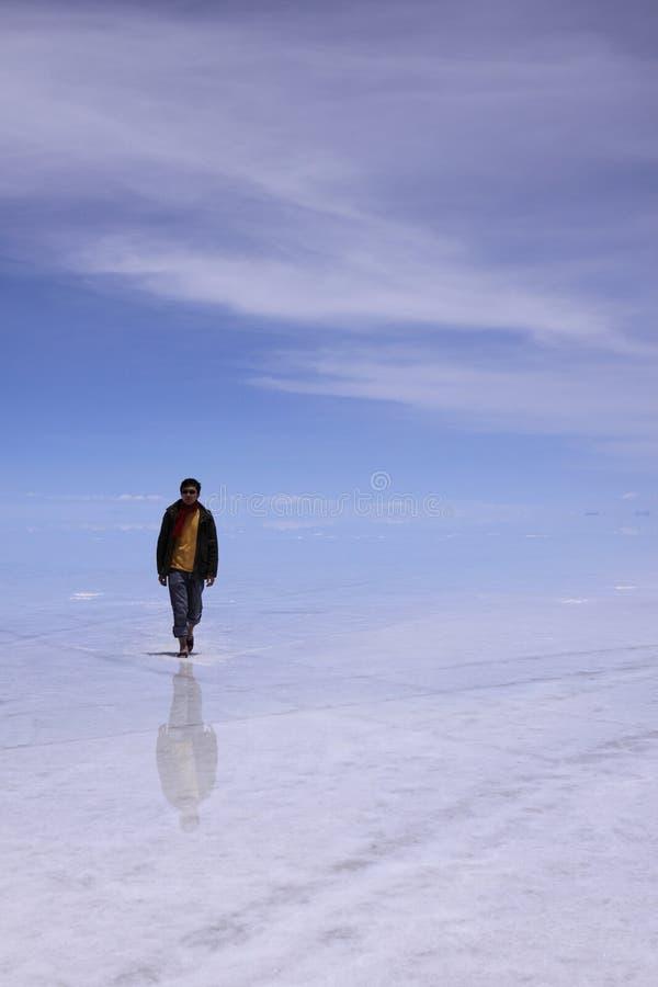 Homme sur l'eau photo stock