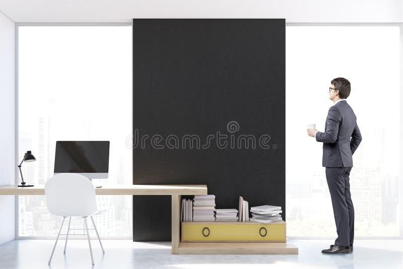 Download Homme Sur Le Lieu De Travail élégant Avec L'ordinateur, Vue De Face Image stock - Image du blanc, propre: 87700025