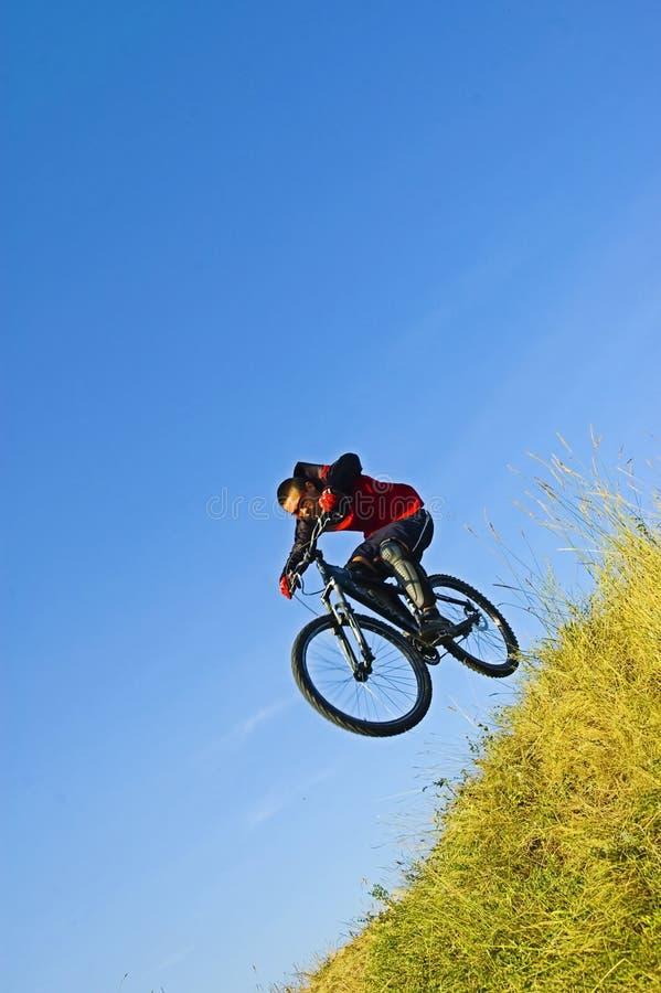 Homme sur le vélo image libre de droits