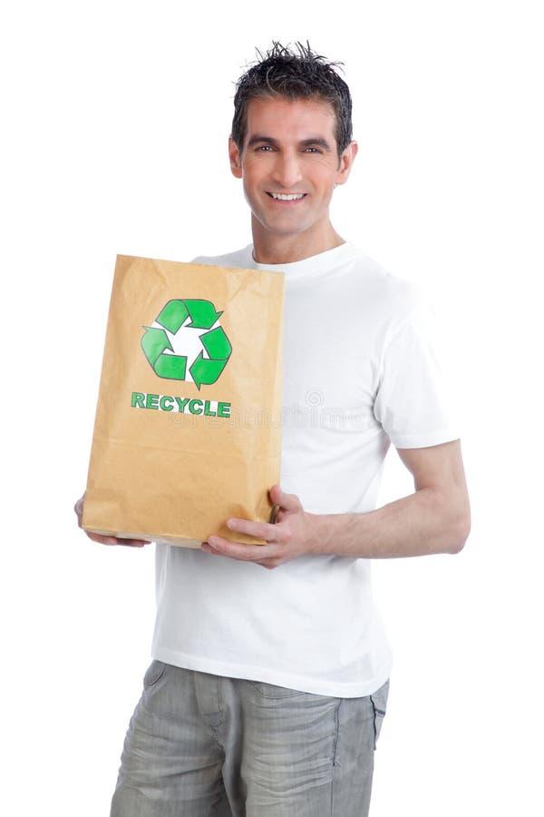 Homme tenant le sac de papier de achat photo stock