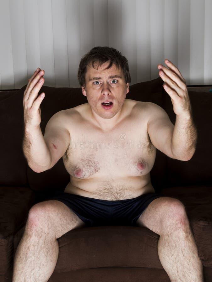 Homme très bouleversé photographie stock libre de droits