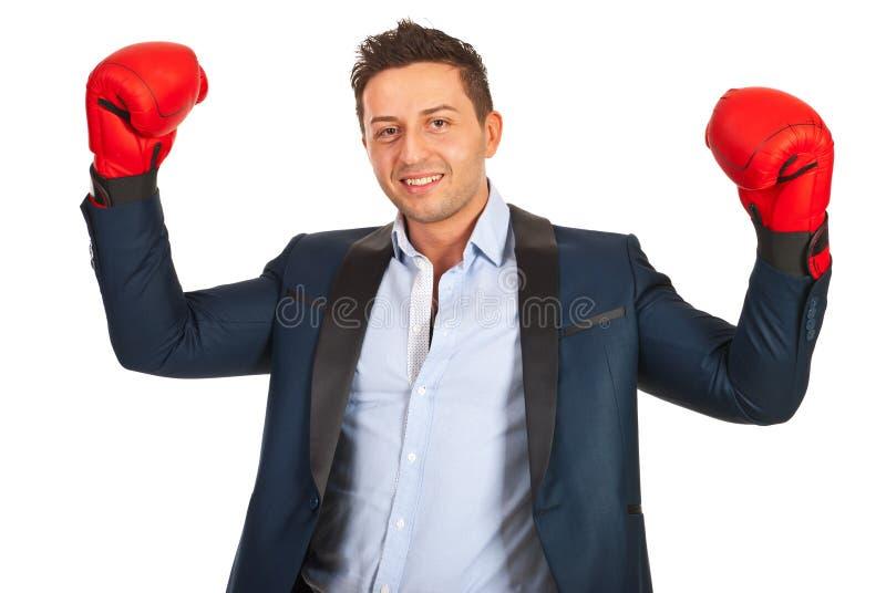 Homme victorieux d'affaires photo stock