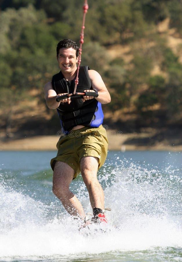 Homme Wakeboarding photos libres de droits