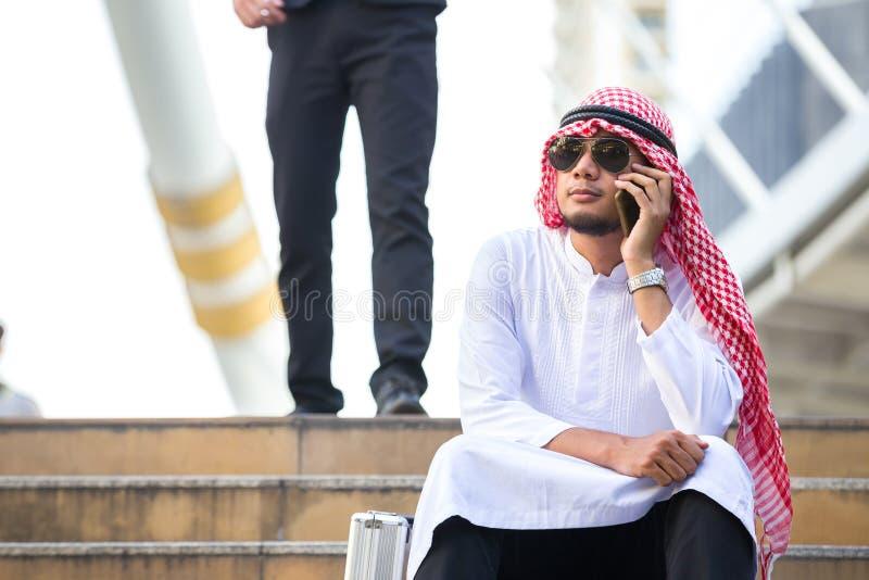 Hommes arabes d'affaires image stock