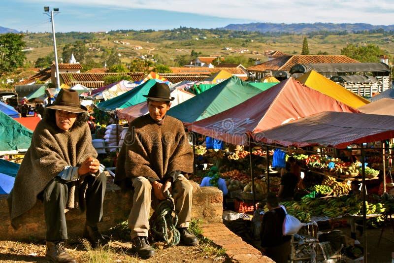 Hommes colombiens dans le costume traditionnel photos libres de droits