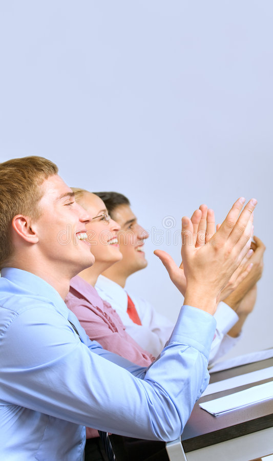 Hommes d'affaires à la présentation photos stock