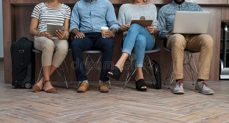 Hommes d'affaires attendant Job Interview photos libres de droits