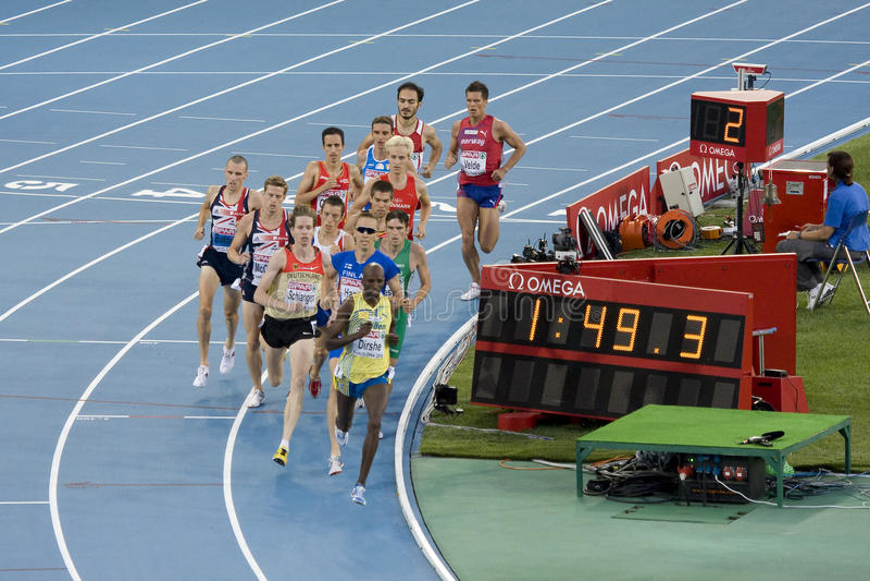 hommes de 1500 mètres images libres de droits