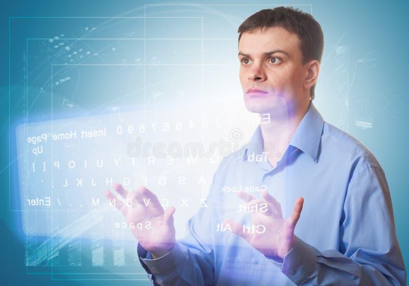 Download Hommes Poussant Un Bouton Sur Un écran Tactile. Photo stock - Image du interface, connectivité: 20386238