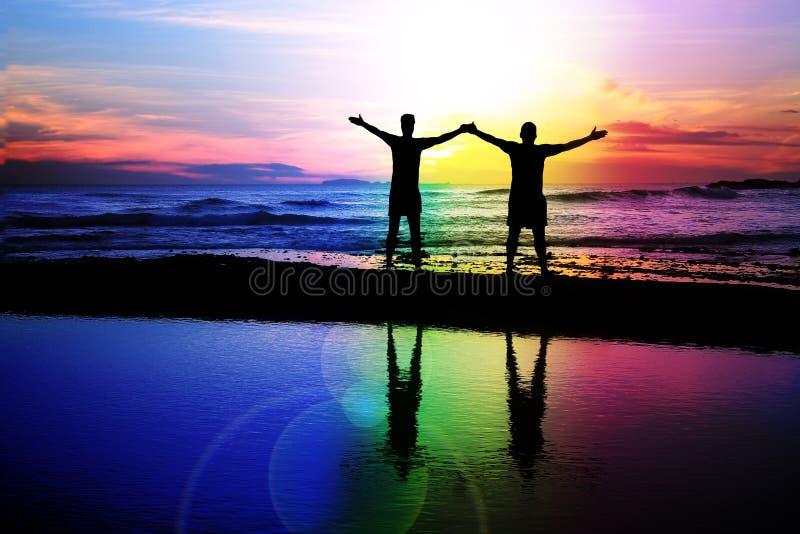 Homoseksualna para przy zmierzchem obraz stock