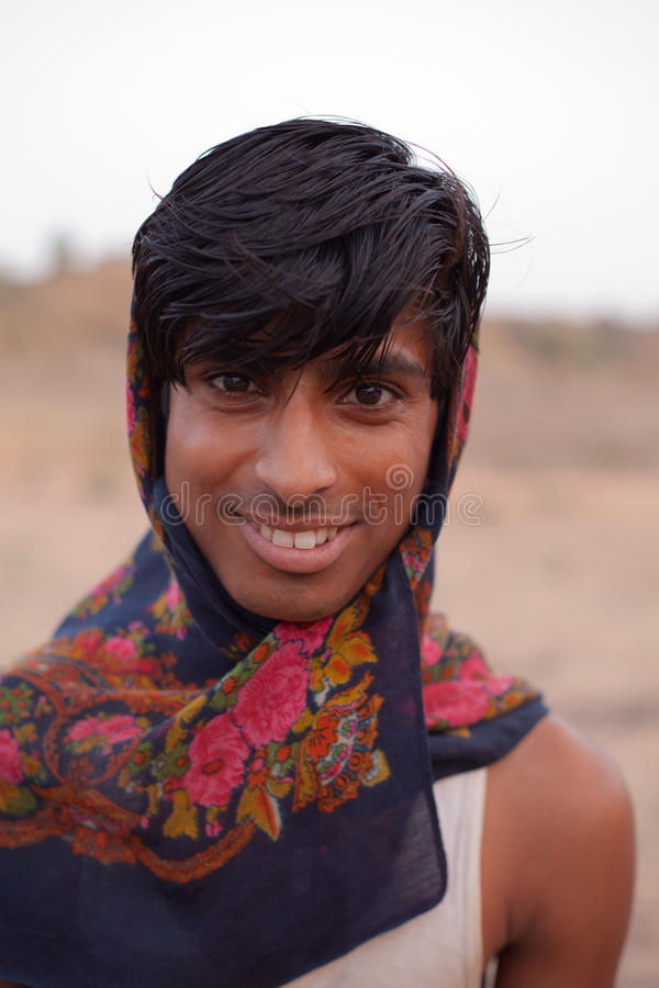 Homoseksualny młody Indiański mężczyzna blisko Karauli w India zdjęcie stock