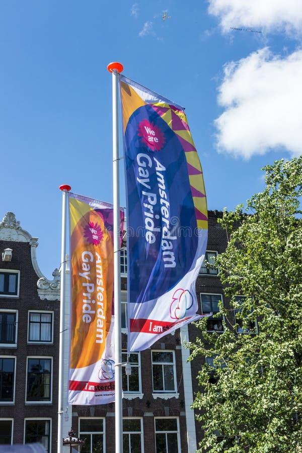 Homosexuelles Pride Flags Amsterdam August 2013 stockbilder