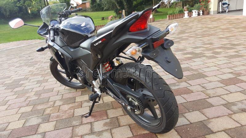 Honda CBR 125R royaltyfri bild