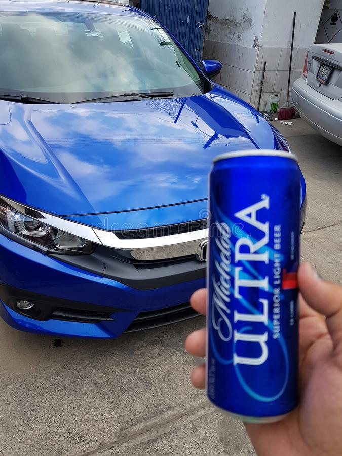 Honda Civic 2017/Cerveza ultra stockfoto