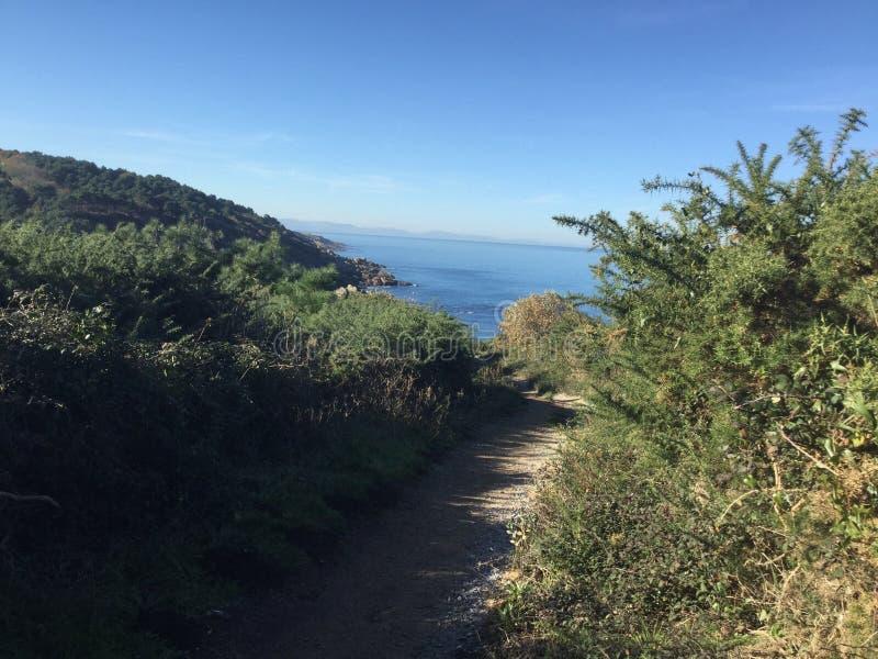 Hondarrabia Espagne de chemin de falaise photo libre de droits