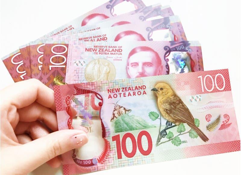 Honderd dollars van Nieuw Zeeland royalty-vrije stock afbeeldingen