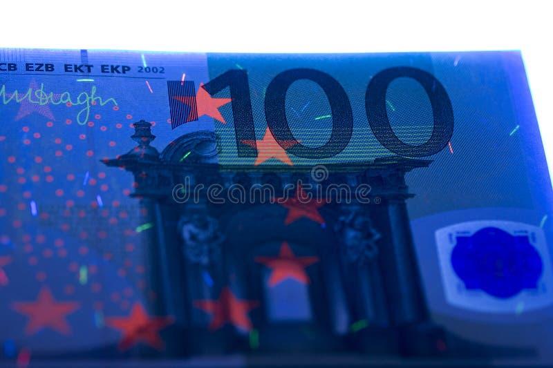Honderd Euro in UVstralen