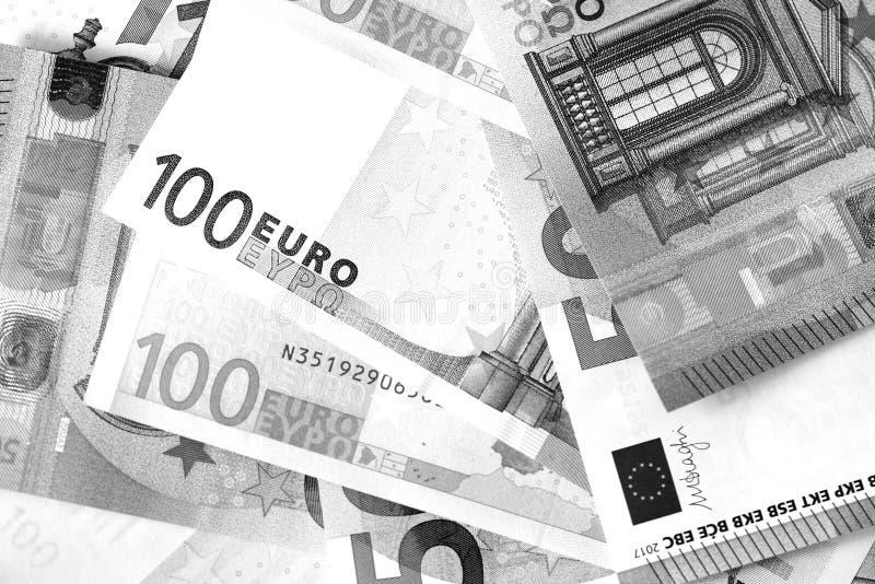Honderd Vijftig euro bankbiljetten in zwart-witte stijl stock afbeelding