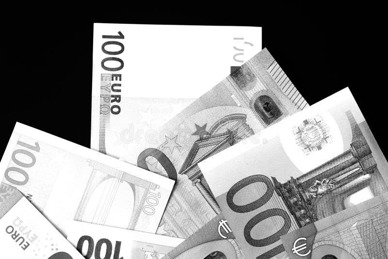 Honderd Vijftig euro bankbiljetten in zwart-witte stijl royalty-vrije stock foto's