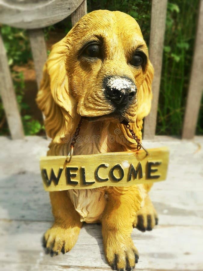 Hondstandbeeld royalty-vrije stock fotografie