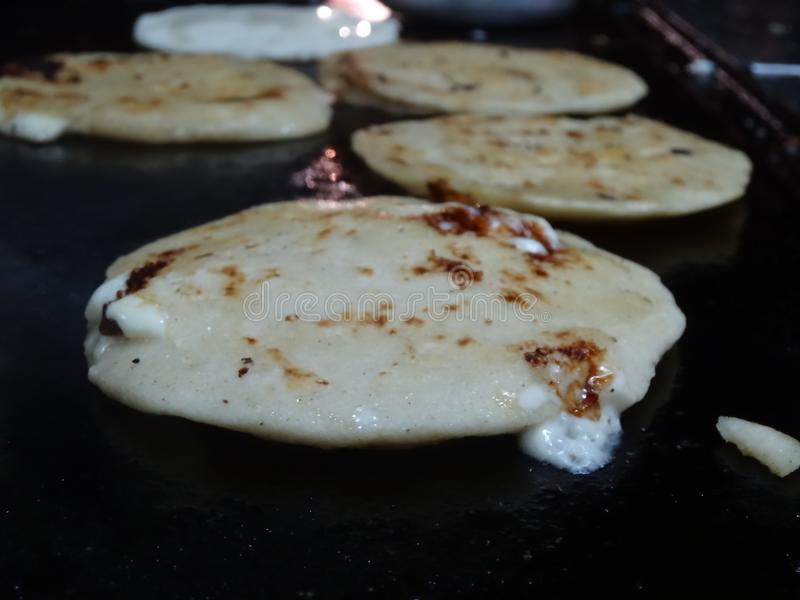 Honduras tipical karmowy kucharstwo na ogieniu na kuchence obraz stock
