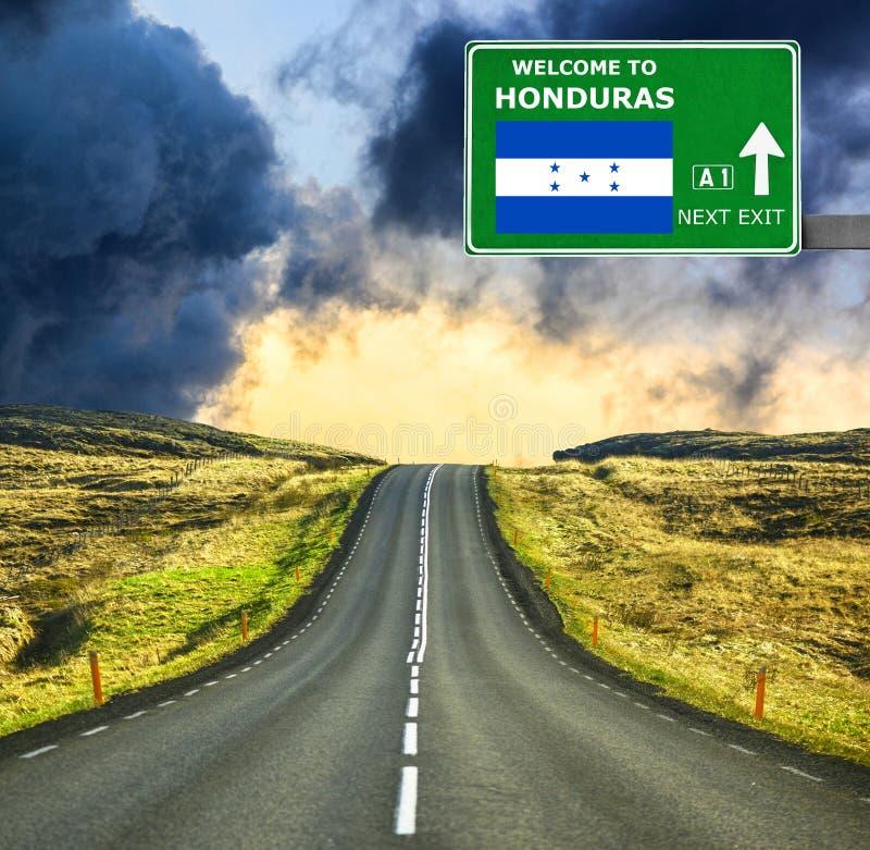 Honduras-Verkehrsschild gegen klaren blauen Himmel lizenzfreie stockfotos