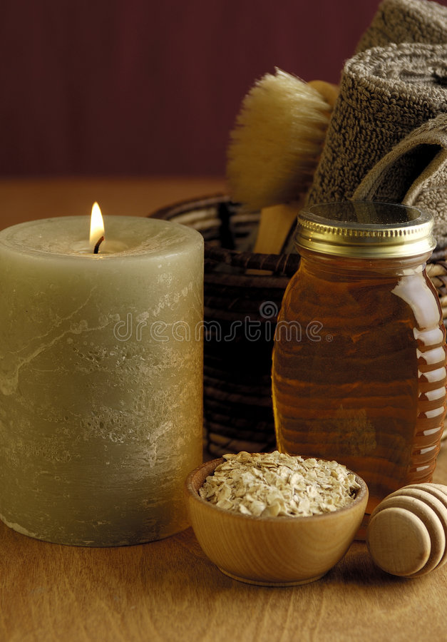 Download Honey And Oatmeal Bath Royalty Free Stock Photo - Image: 520095