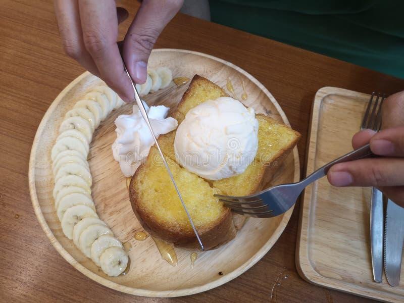 Honey Toast é a sobremesa favorita das meninas imagens de stock