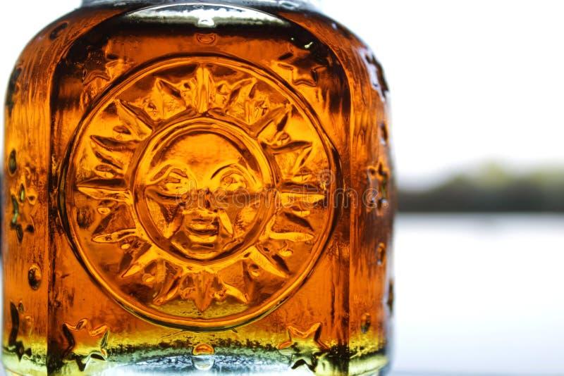 Honeyed Sonnenschein auf dem Horizont lizenzfreie stockfotografie