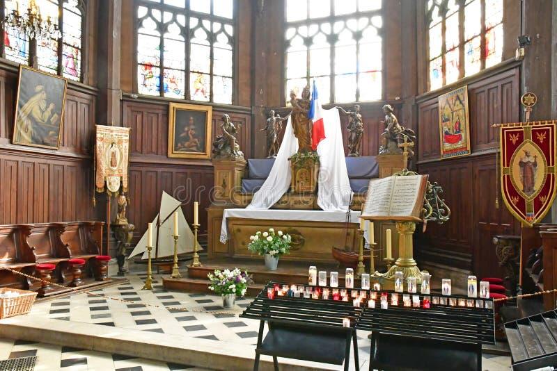 Honfleur Frankrike - august 18 2016: Sainte Catherine kyrka royaltyfria foton
