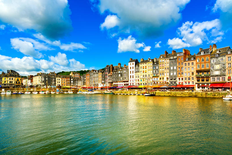 Honfleur linii horyzontu woda i schronienie france Normandia obrazy royalty free