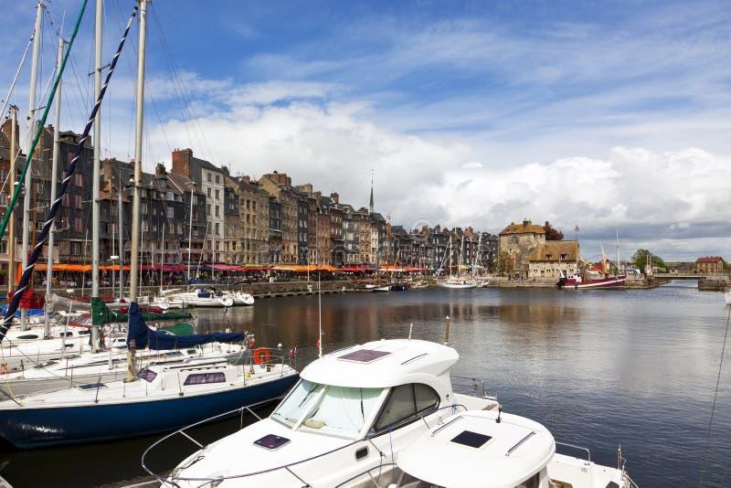 Honfleur, marina och gammal stadstrand arkivfoton